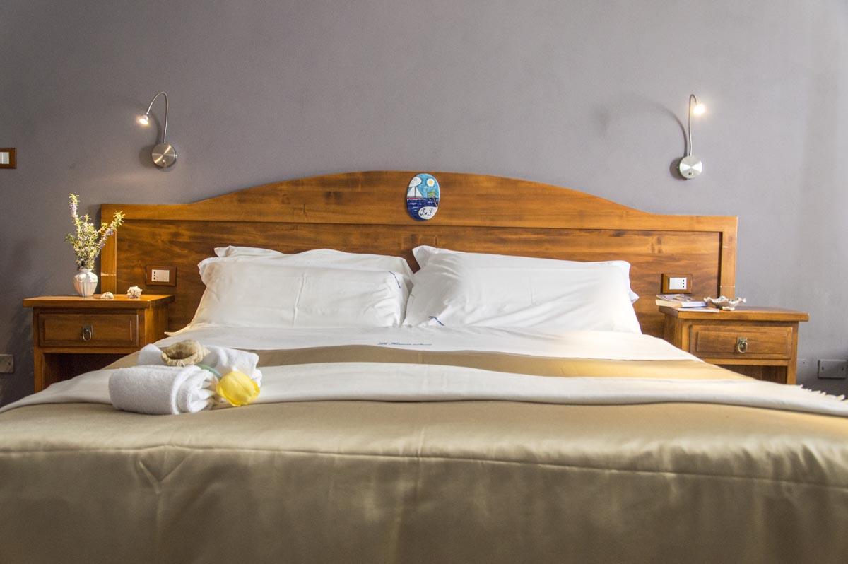 Camere climatizzate con bagno privato, minibar e cassaforte